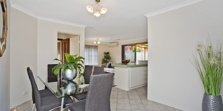 4-60 Parklands square, Riverton (15 of 23)