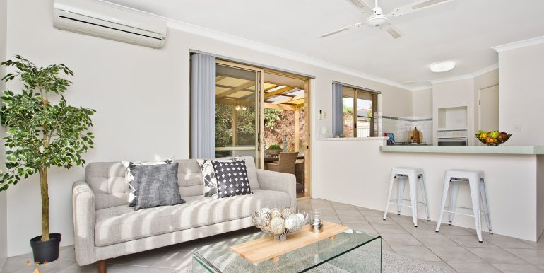 4-60 Parklands square, Riverton (9 of 23)
